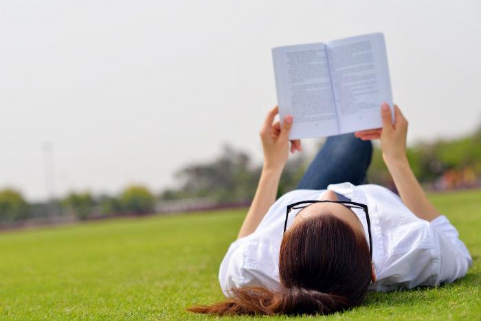 Leer, una sana costumbre. Foto: Shutterstock
