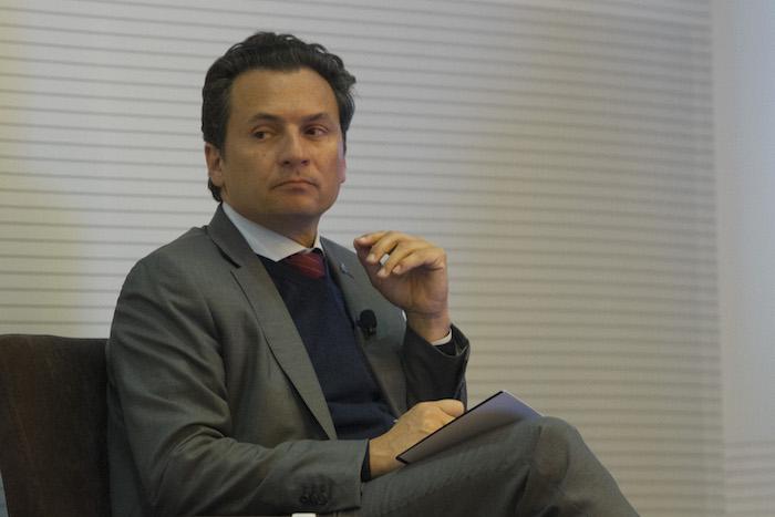 MÉXICO, D.F., 10DICIEMBRE2014.- Emilio Lozoya Austin, Director General de Petróleos Mexicanos, Enrique Ochoa Reza, Director Federal de Electricidad, durante la presentación del Lanzamiento Global del Índice de Desempeño de la Arquitectura Energética 2015, en las instalaciones de la Secretaria de Relaciones Exteriores. FOTO: GUILLERMO PEREA /CUARTOSCURO.COM