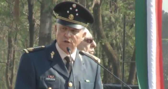 El Genral Salvador Cienfuegos ofreció esta mañana un mensaje a las tropas mexicanas. Foto: Especial