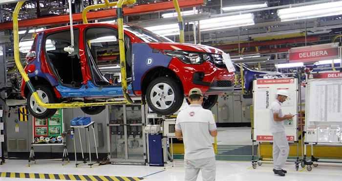 El fabricante ha recibido quejas de seguridad por sus autos; tres muertes y cinco lesionados. Foto: EFE.