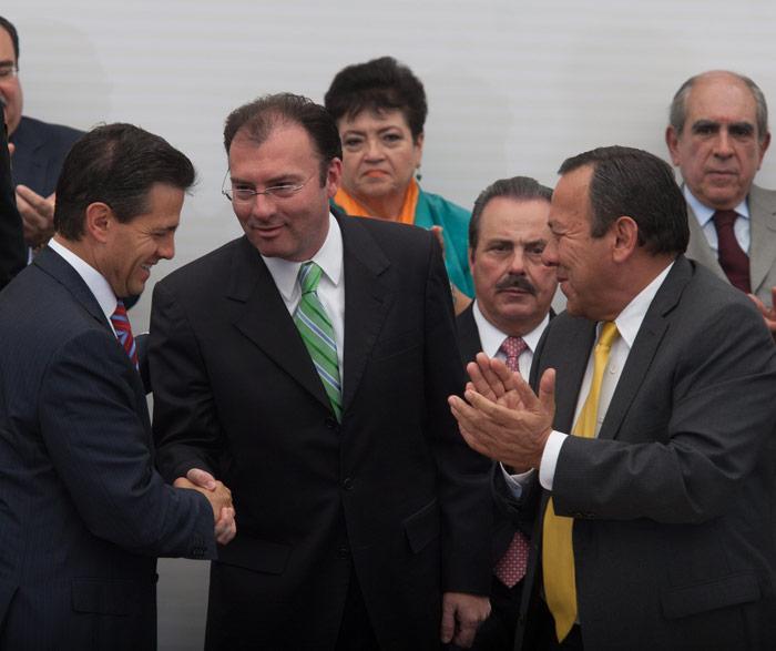 Peña, Luis y la izquierda que les aplaudió. Foto: Cuartoscuro