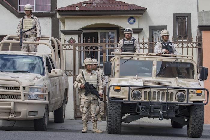 El pasado mes de septiembre el Ejército aseguró un inmueble en Tijuana donde presuntamente encontraron un fuerte cargamento de droga. Foto: Cuartoscuro