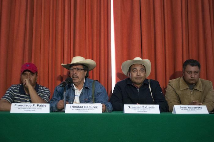 Miembros del Consejo Mayor y ronda comunitaria del municipio de Cherán, Michoacán, en una conferencia de prensa en la Ciudad de México en 2014. Foto: Cuartoscuro