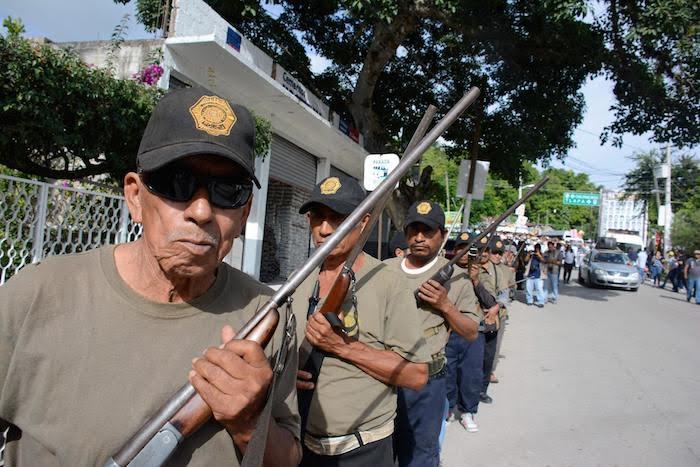Policías comunitarios en el estado de Guerrero.