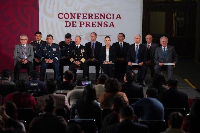 Los invitados a la conferencia de prensa del Presidente de este jueves. Foto: Gobierno de México