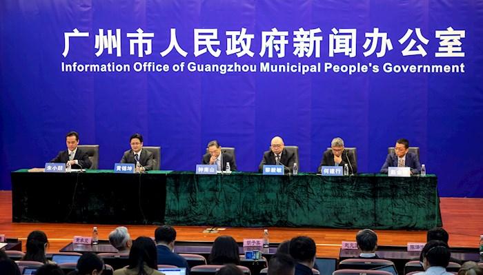 El jefe médico chino insta a Europa a ser más proactiva en la lucha contra el coronavirus. Foto: Alex Plavevsky, EFE