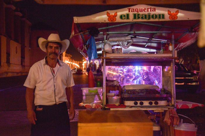Debido a la contingencia por coronavirus implementada a nivel nacional, autoridades municipales cerraron con vallas y cinta de precaución los espacios públicos mas transcurridos en San Cristóbal de las Casas, Chiapas.