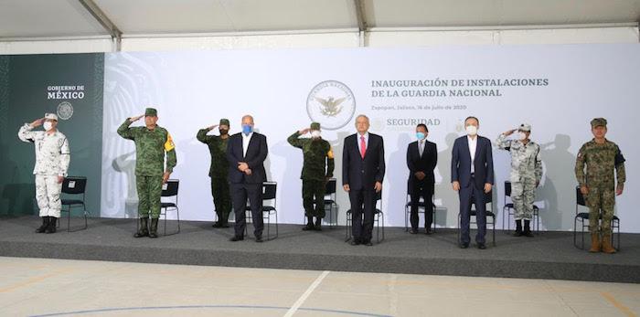 El Presidente Andrés Manuel López Obrador inaugura un cuartel de la Guardia Nacional en Jalisco.