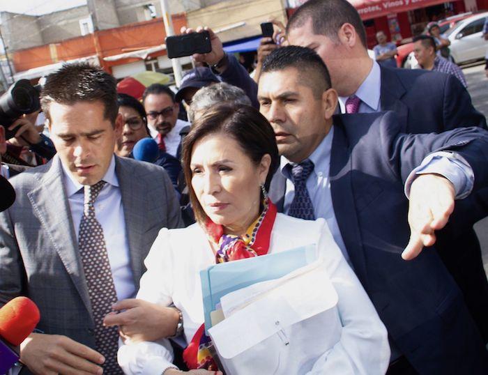 El 12 de agosto de 2019, Rosario Robles, exjefe de Sedesol y Sedatu, a su llegada a los juzgados penitenciarios del sur, comparecerá a la audiencia por cargos de presunto desvío de recursos durante su gestión.