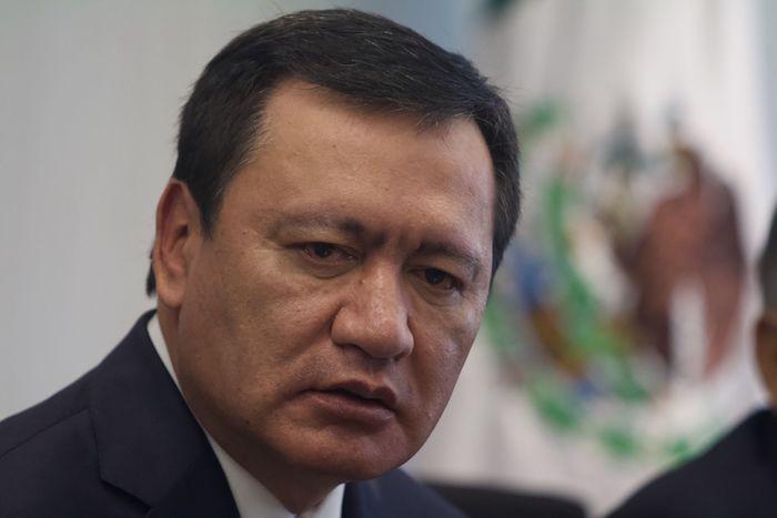 Miguel Ángel Osorio Chong, coordinador del grupo parlamentario PRI en el Senado.