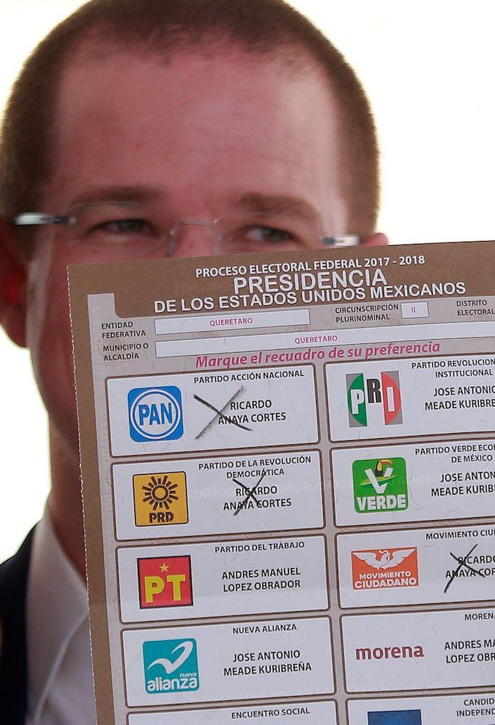 Ricardo Anaya cuando acudió a votar en las elecciones presidenciales de 2018.