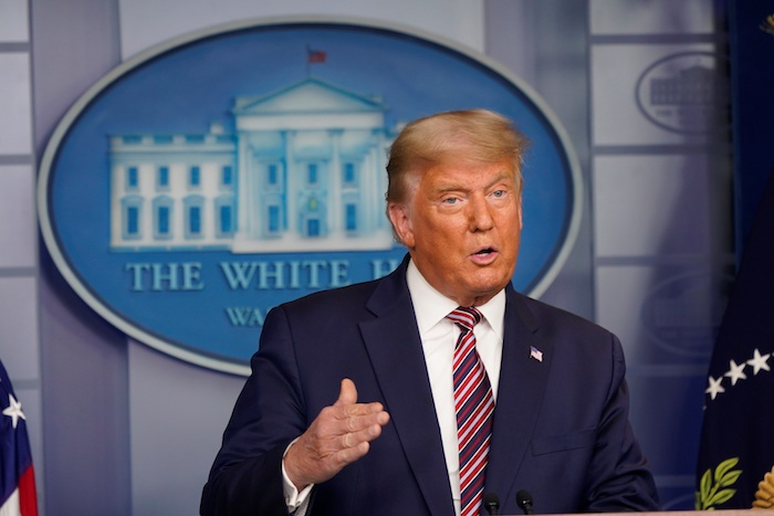 En la foto aparece el presidente de Estados Unidos, Donald Trump.