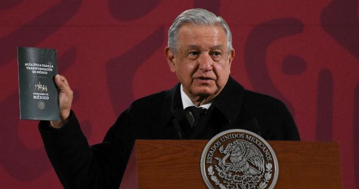 """El Presidente de México, Andrés Manuel López Obrador, presenta la """"Guía Ética para la Transformación de México""""."""
