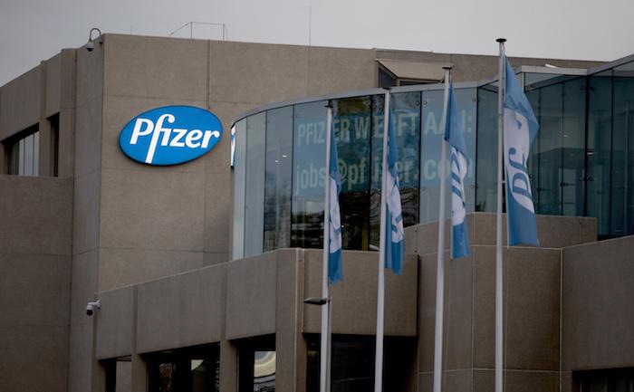 Esta fotografía muestra las oficinas de Pfizer en Puurs, Bélgica, el lunes 9 de noviembre de 2020.