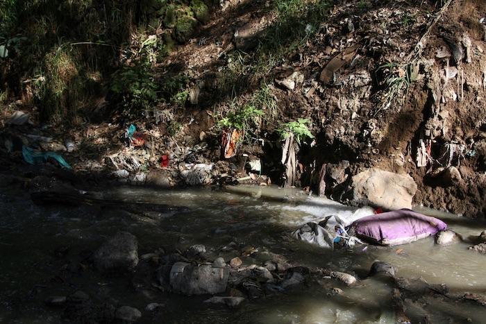 barranca 3 - Empresas riegan el agua del país como quieren. La Conagua exige nueva Ley que cerrará la llave