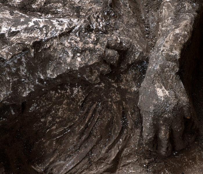 befunky collage 2020 11 21t103314 765 - Arqueólogos italianos hallan y reconstruyen los cuerpos de dos víctimas de la erupción del Vesubio