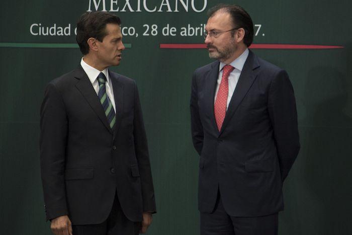 Enrique Peña nieto, entonces Presidente de la República, y Luis Videgaray, exsecretario de Relaciones Exteriores, durante la ceremonia de Reconocimiento al Servicio Exterior Mexicano.