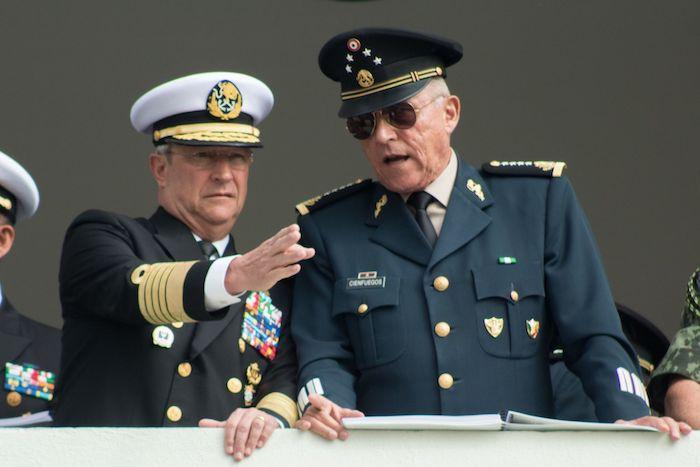 El entonces Secretario de la Defensa Nacional, Salvador Cienfuegos Zepeda y el Secretario de Marina, Vidal Francisco Soberón Sanz, en 2018.
