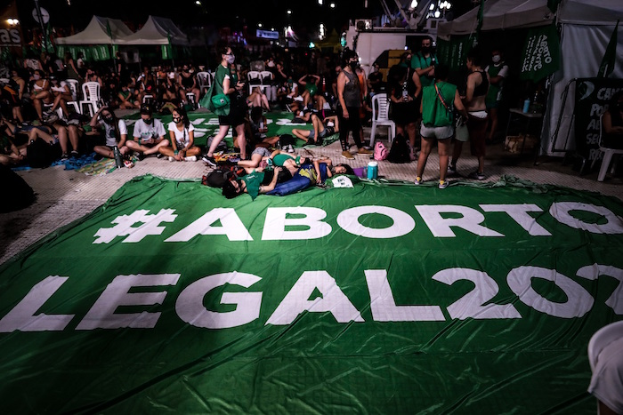 argentina - Argentina aprueba legalización del aborto. Mujeres celebran decisión del Senado (FOTOS y VIDEOS)