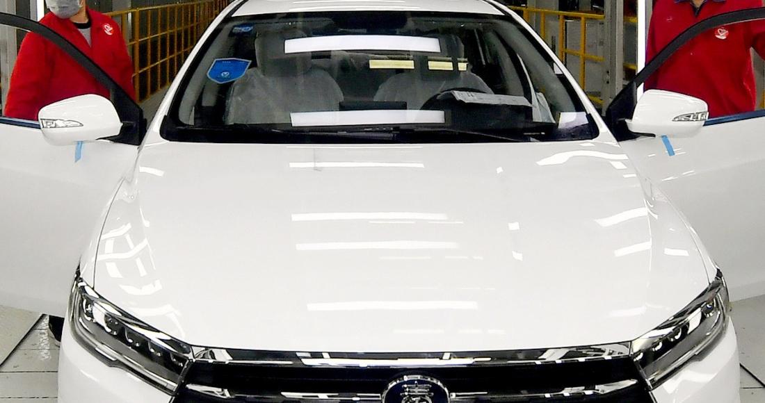 auto blanco chino - La venta de automóviles cae 28% en 2020. La COVID-19 deja al sector con la cifra más baja desde 2012