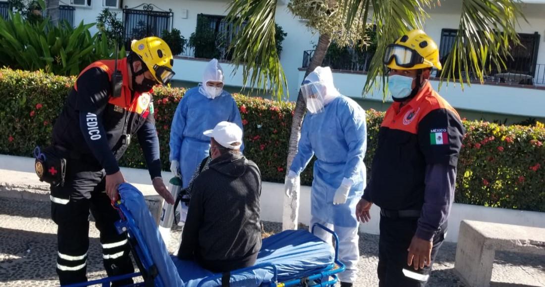eqvxehfw8aayhok - VIDEOS: Embarcación turística con 60 pasajeros se hunde en Puerto Vallarta; no se reportan heridos