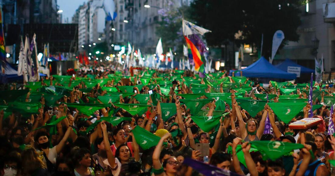 marcha aborto argentina - Argentina aprueba legalización del aborto. Mujeres celebran decisión del Senado (FOTOS y VIDEOS)