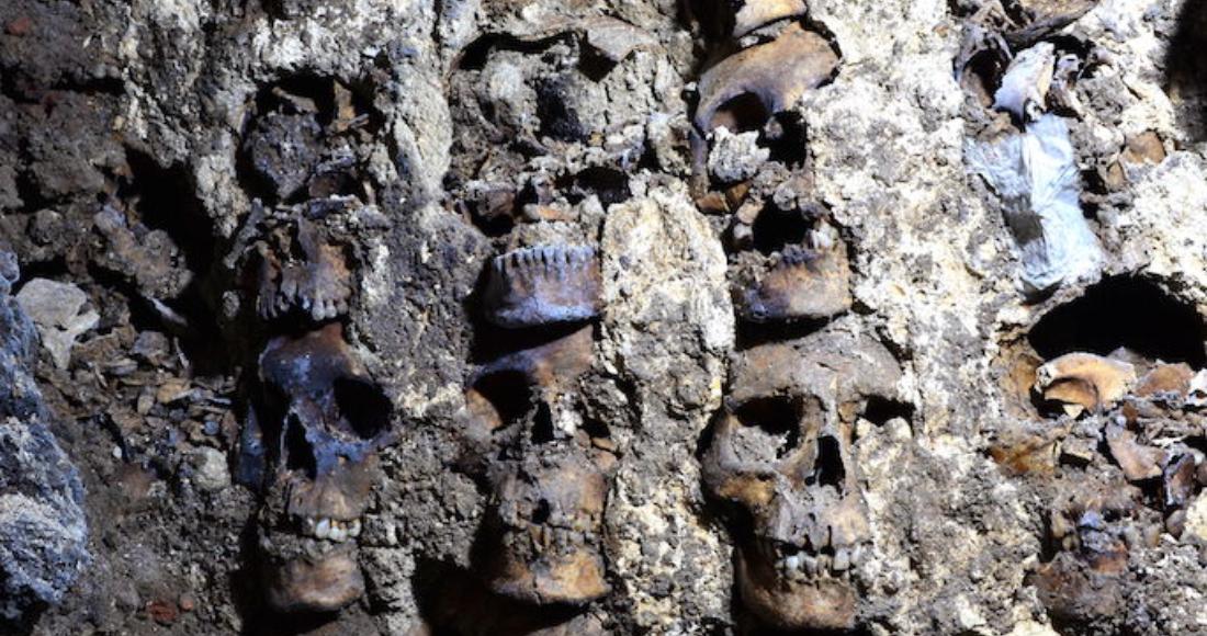 se 11 1 12 - FOTOS: El INAH investiga bajorrelieve de un águila real encontrado al pie del Templo Mayor