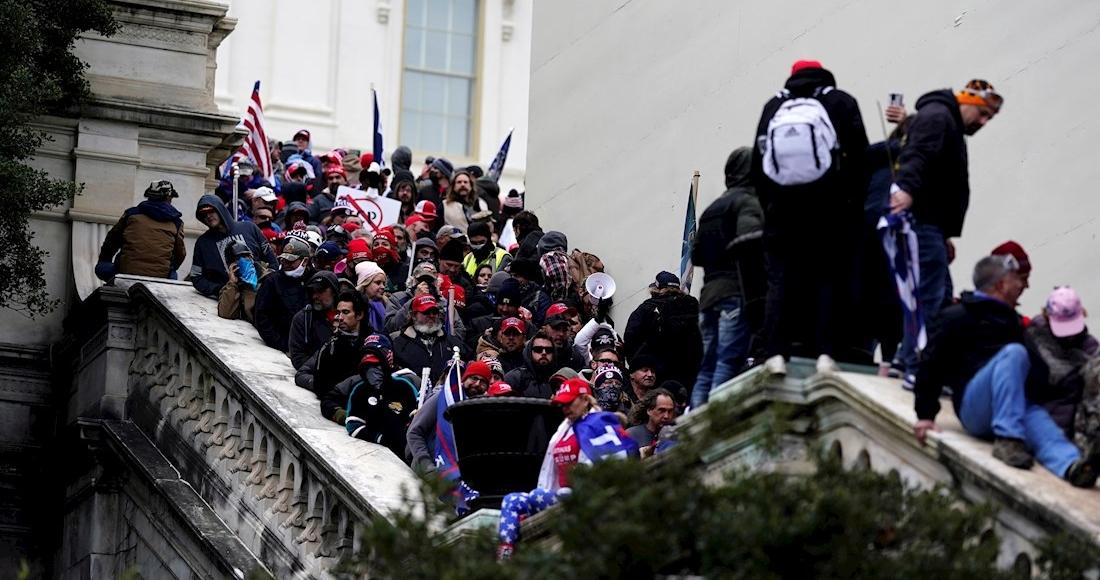 """5bed06b230e68615f7c947dcfddb733779a3e0a8 1 - La Secretaria de Educación de EU renuncia; dice que la toma del Capitolio fue """"un punto de inflexión"""""""
