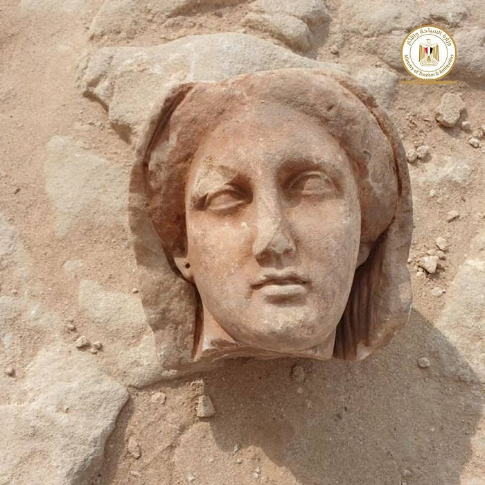 60165dbee9ff712b110c7d42 - FOTOS: Expertos hallan 16 pozos funerarios de época grecorromana en templo de Taposiris Magna, en Egipto