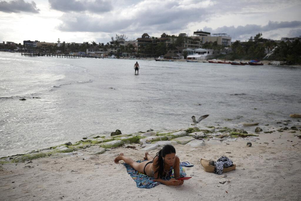 turistas-playas-quintana-roo
