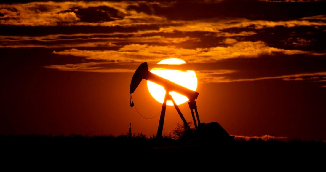 bomba petroleo ocaso - Arabia recortará producción de petróleo, México se mantiene y la OPEP+ logra acuerdo de bombeo