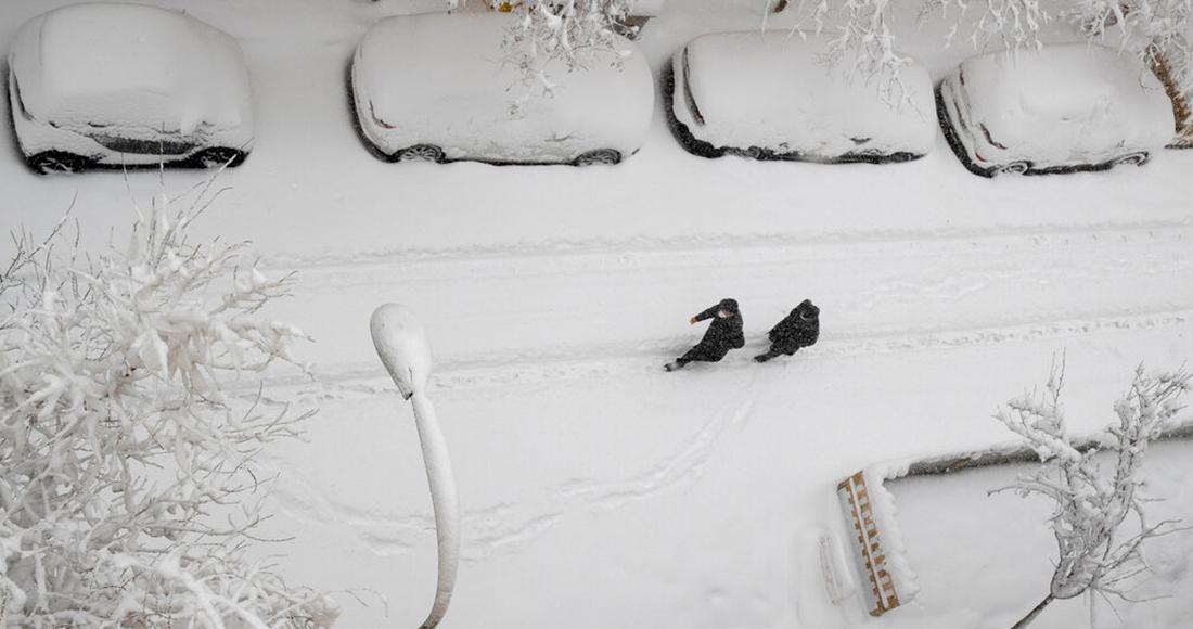 nevada madrid muertes - FOTOS: Madrid amanece cubierta de nieve; autoridades piden no realizar desplazamientos innecesarios