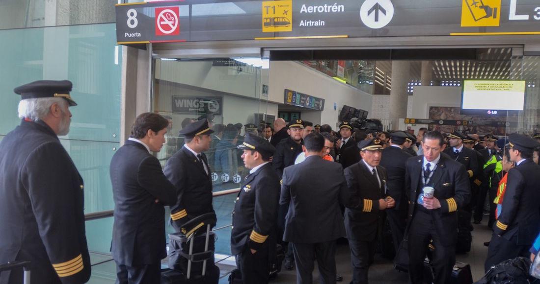 pilotos 2 - Pilotos y sobrecargos aceptan reducción salarial y apoyarán a Aeroméxico en su reestructura