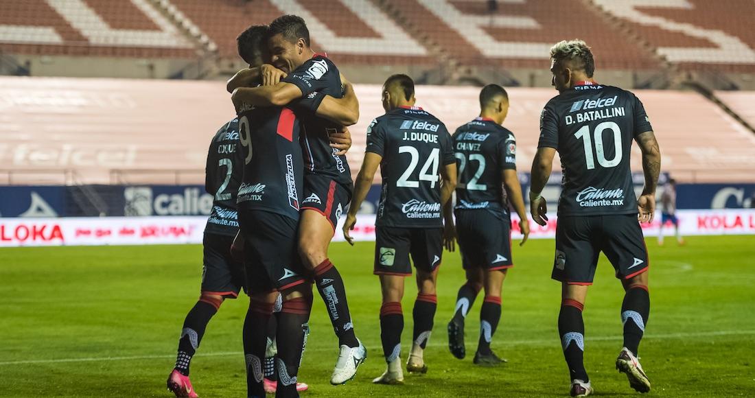 san luis - Chivas vence a domicilio al León 3-1 y le corta una racha de 2 años sin perder en casa