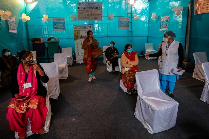 se 0201 7 - India ensaya plan de vacunación a la espera de la aprobación de uso de emergencia de AstraZeneca