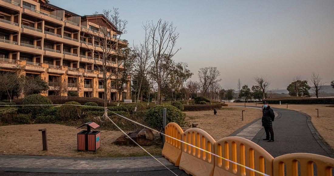 se 2901 12 - Equipo de la OMS visita otro hospital que atendió primeros casos de COVID-19 en Wuhan, China