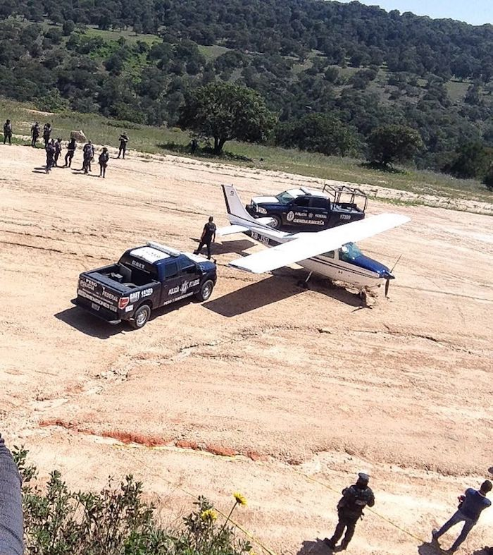 Decomiso efectuado en 2017 por los elementos de la Policía Federal después de meses de investigación de supuestos aterrizajes con droga en las inmediaciones del triángulo entre León Guanajuato, Comanja de Corona en Jalisco y San Felipe Torres.