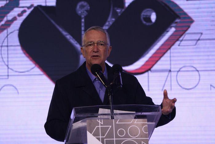 Ricardo Salinas Pliego, presidente de Grupo Salinas, durante la entrega de premios Caminos de la Libertad para Jóvenes, celebrando diez años de la iniciativa.