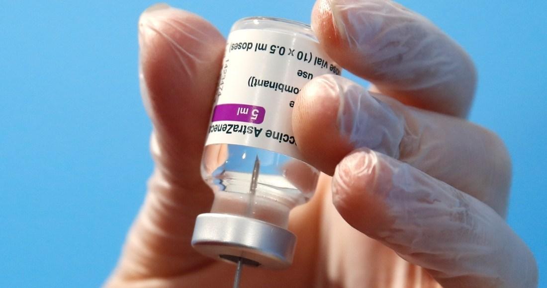 befunky collage 75 1 1 - ¿Por qué puede ser imprudente retrasar la vacunación con AstraZeneca? Un experto explica a detalle