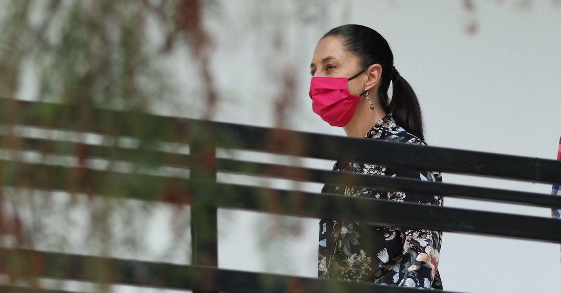 """cuartoscuro 803346 digital - """"Estamos con ustedes"""", dice el Inmujeres a las mujeres que protestan en la valla de Palacio Nacional"""