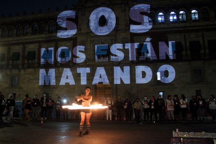 cuartoscuro 807428 digital - FOTOS: Nombres de víctimas son proyectados en la fachada de Palacio Nacional. Madres piden justicia