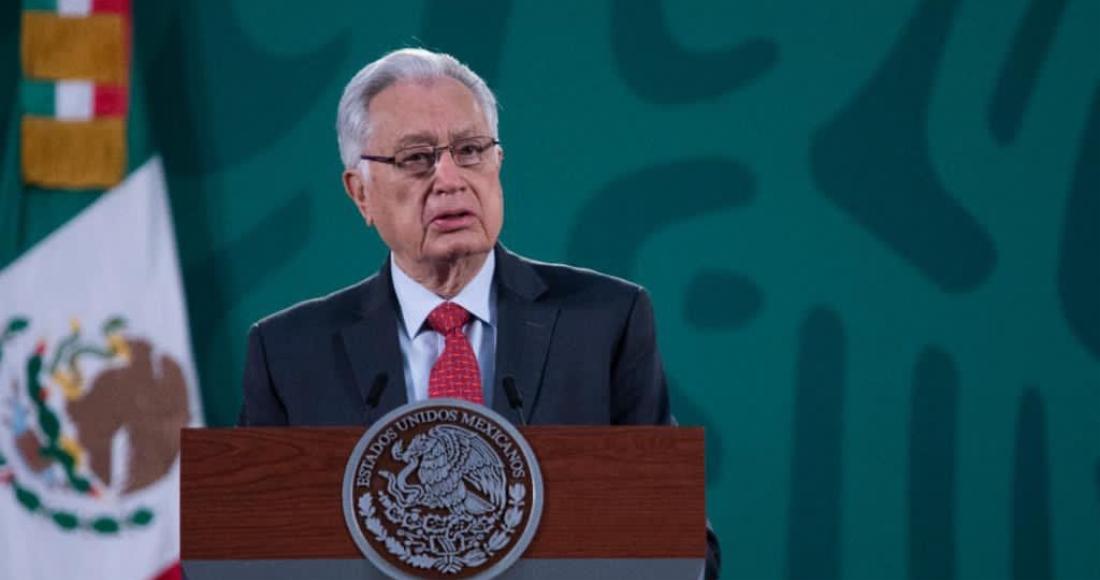 El director general de la Comisión Federal de Electricidad (CFE), Manuel Bartlett Díaz, en conferencia de prensa.