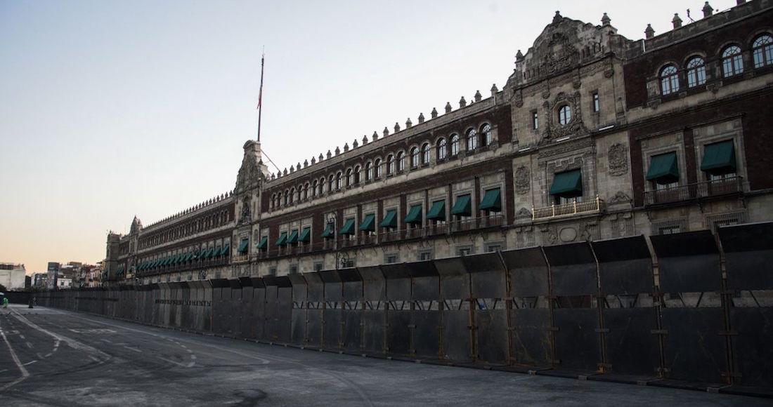 """muro - """"Estamos con ustedes"""", dice el Inmujeres a las mujeres que protestan en la valla de Palacio Nacional"""