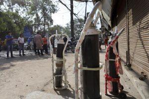 1000 2021 04 22t071659 083 300x200 - Los enfermos mueren en casa, no hay camas, falla el oxígeno: India enfrenta el peor escenario COVID