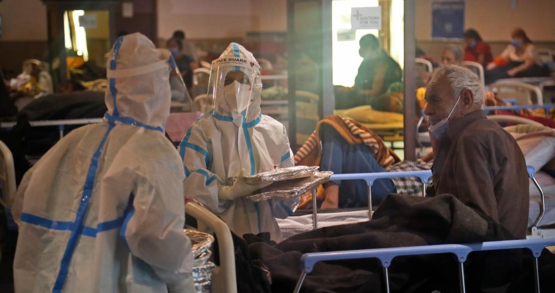 centro de cuarentena para pacientes covid en la india - Los enfermos mueren en casa, no hay camas, falla el oxígeno: India enfrenta el peor escenario COVID