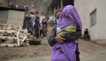 Familias migrantes en albergue de Tijuana