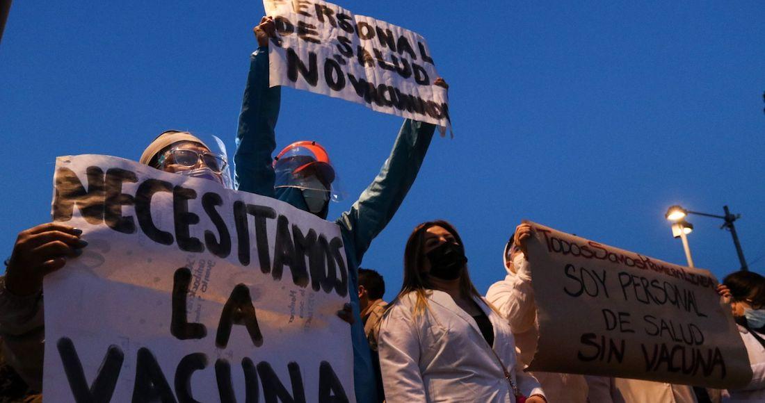 """medicos privados vacuna - AMLO dice que no es """"justo"""" que médicos privados exijan vacunarse; acusa a opositores de alentar protestas"""