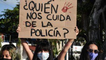 Protesta contra la policia
