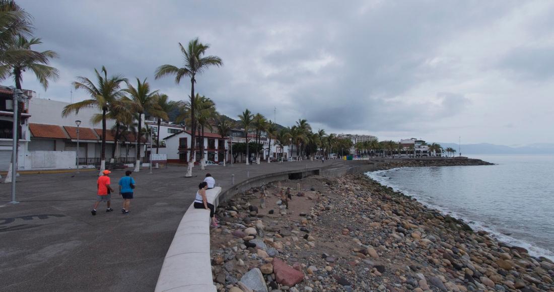 """tormenta tropical - La tormenta tropical """"Blanca"""" se aleja de las costas mexicanas"""