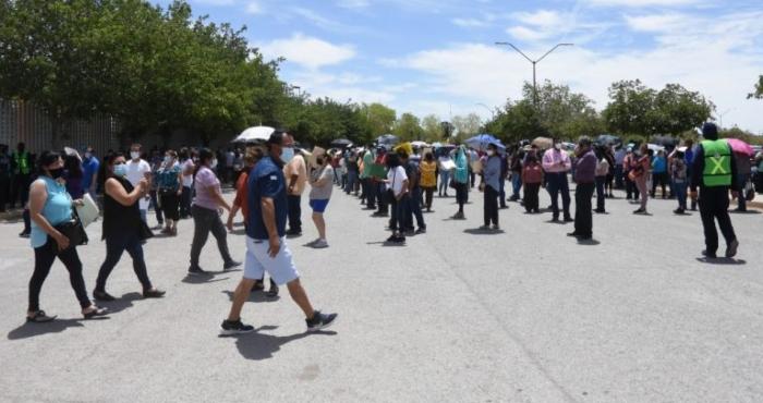 """el paso - """"Siento mucha paz"""". Mexicanos van a El Paso para vacunarse contra COVID"""